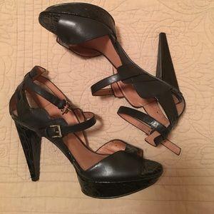 Patent leather platform stilettos (No. 704b)